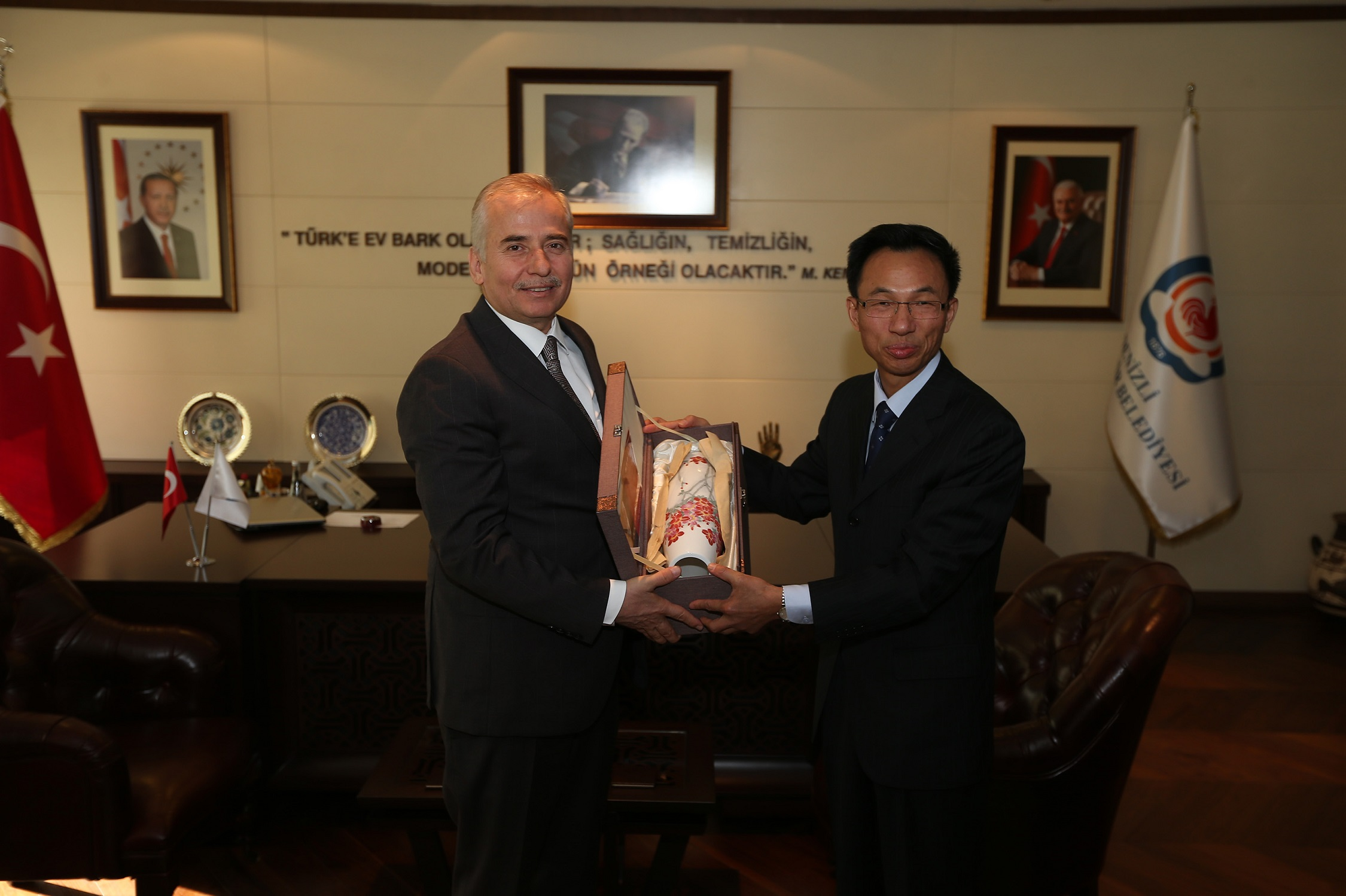 Çin Ankara Büyükelçisi'nden Başkan Zolan'a ziyaret