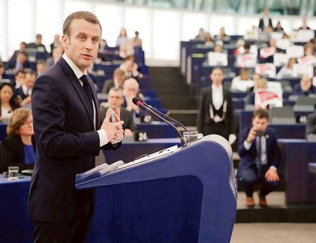 AB'deki bölünmeler bir 'iç savaş' gibi oluyor, Fransa'nın Macronu uyardı