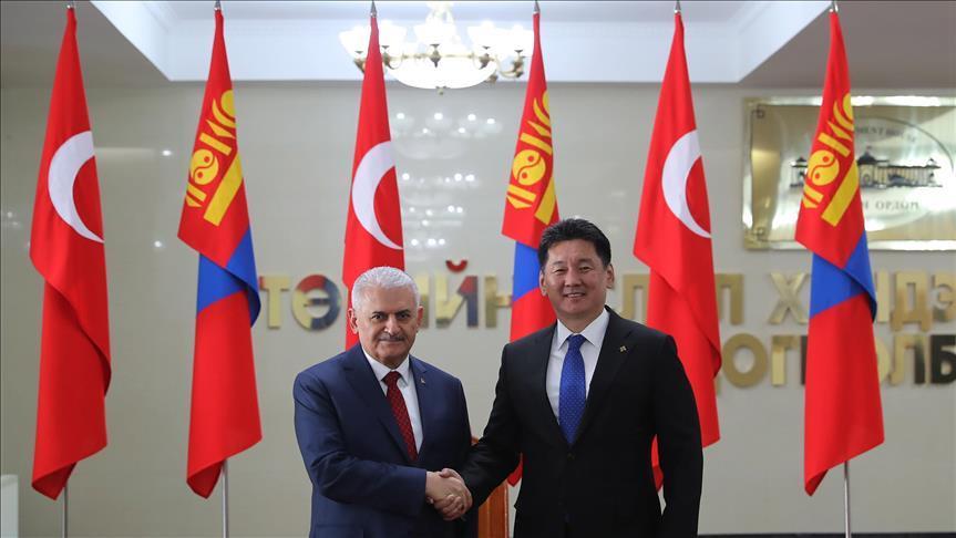 Türk Başbakan Yıldırım Moğolistan'a geldi