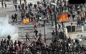 Atina'da yaralanmalar ve tutuklamalar devam ediyor