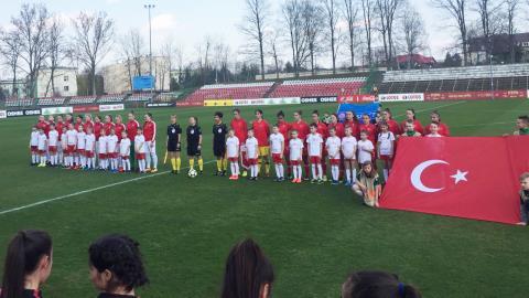 U16 Kız Milli Takımı, Polonya'yı 2-0 yendi