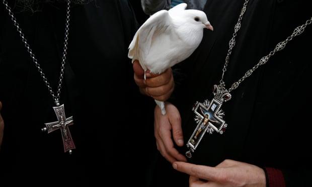 Yunanistan, ilk krematoryuma doğru adımla kiliseye meydan okuyor
