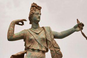 Antik Aptera'dan Hania müzesinde sergilenecek heykel çifti