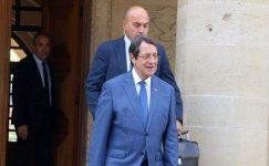Kıbrıs Rum İçişleri Bakanı görev değişikliğinde finanse etmek için harekete geçti