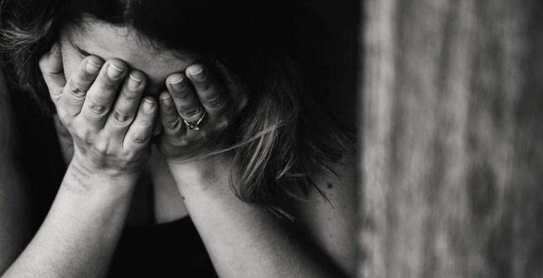 Polis videosu aile içi şiddet mağdurlarına tavsiyelerde bulunuyor