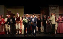 Denizli Büyükşehir Tiyatrosu perdelerini açıyor