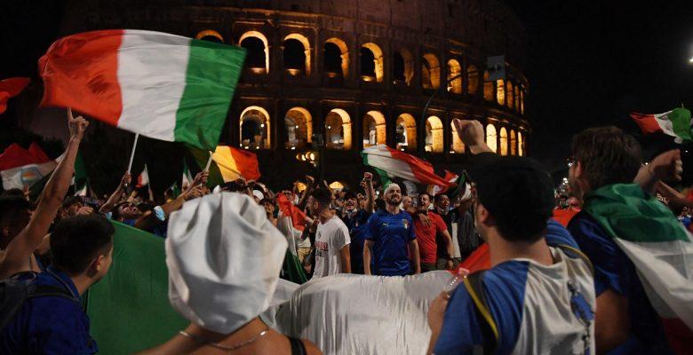İtalya, Avrupa futbol şampiyonluğunu kazandıktan sonra sevinçten patladı