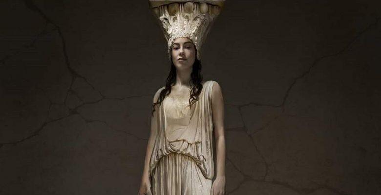 Yunan sanatçı Parthenon Marbles'ın British Museum protestosuna geri dönmesini söyledi