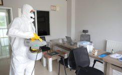 Denizli Büyükşehir işyerlerini dezenfekte etmeye devam ediyor