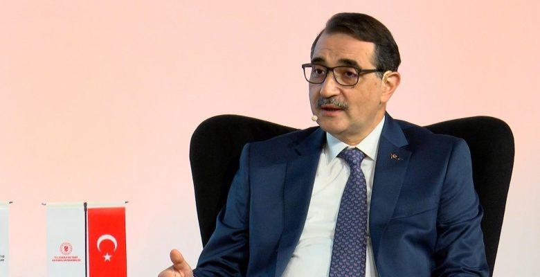 Bakan, Türkiye'nin Karadeniz'de yeni kuyular açabileceğini söyledi